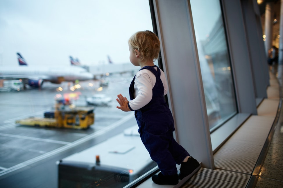 10 Tips For Traveling With A Toddler | Life 360 Tips