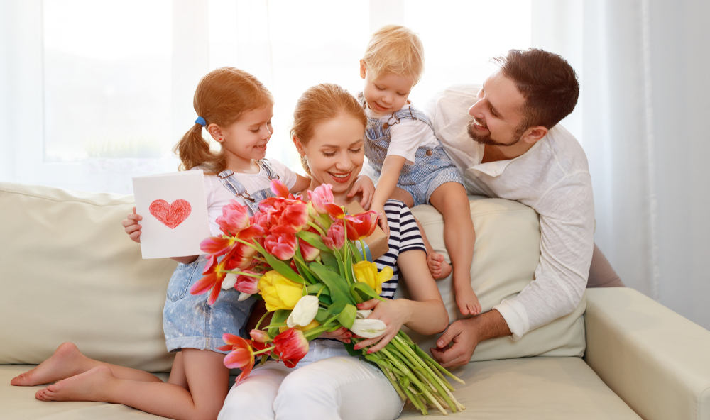 People love their moms more than their dads or sweethearts | Life 360 Tips