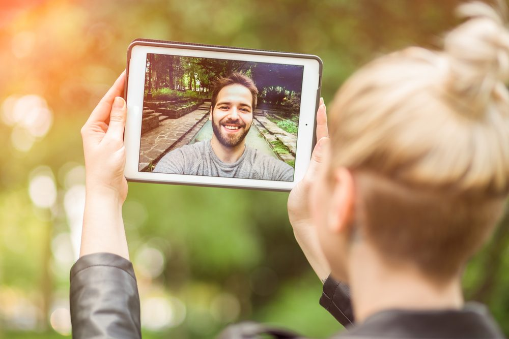 Set share time | 10 Tips To Make Long-Distance Relationships Work | Life360 Tips