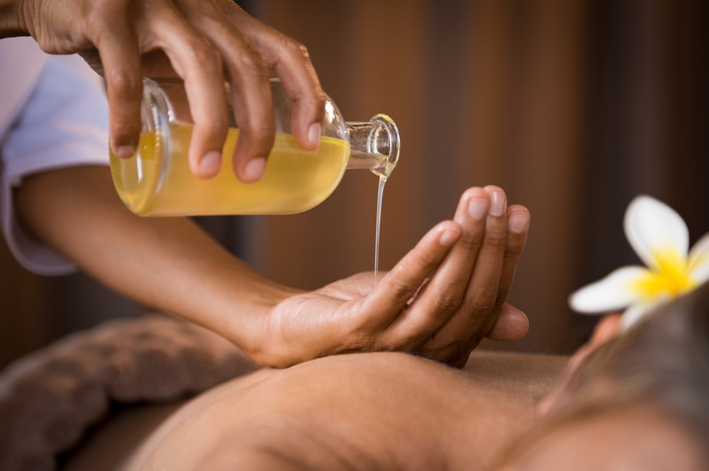 Ayurveda Massage | Ayurveda Health Secrets From Ancient India | Life360 Tips