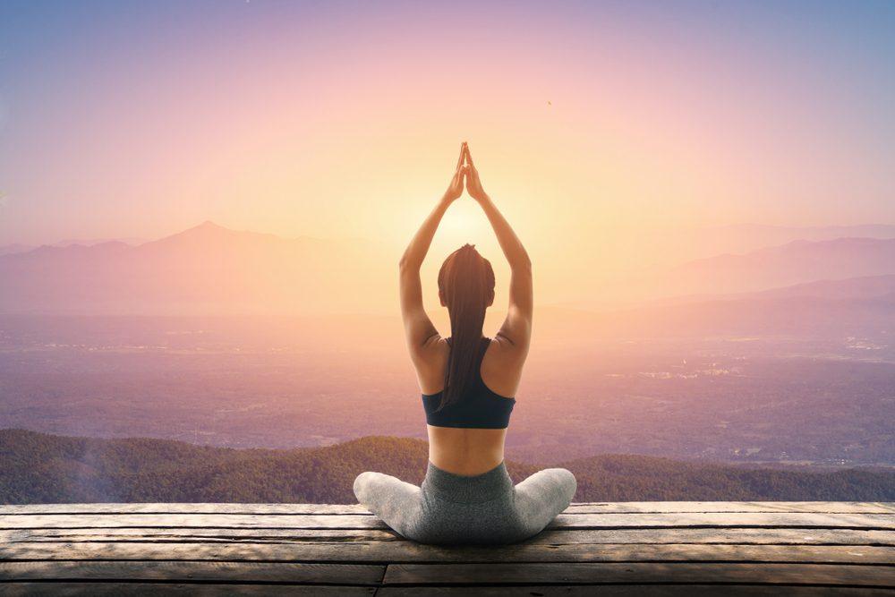 Best Morning Yoga Poses For Beginners | Life360 Tips