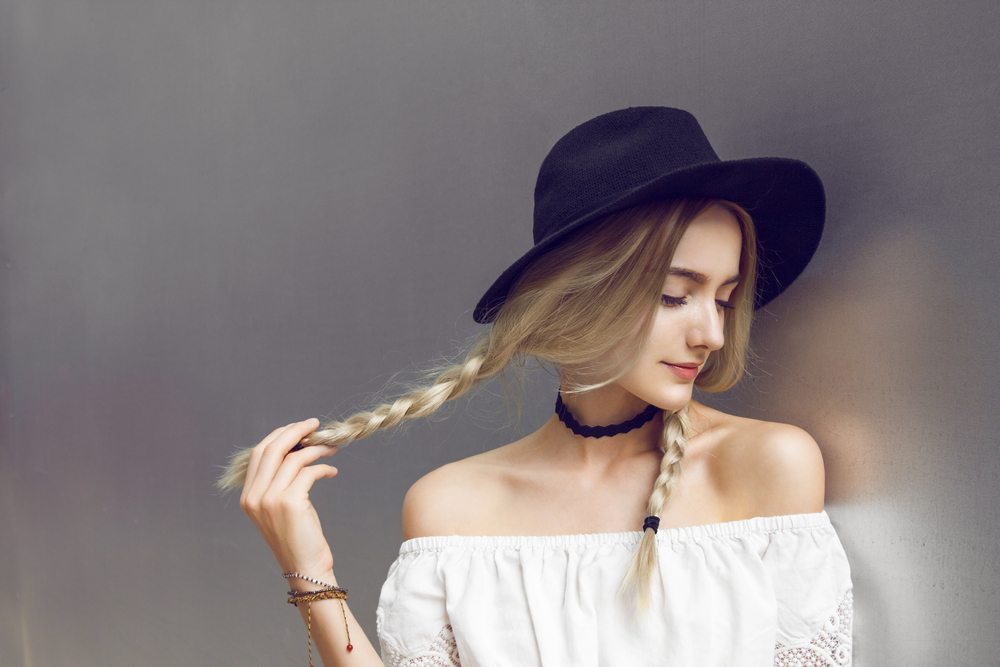 Hair accessories | 10 Surprising Items That Make Women More Attractive To Men | Life360 Tips